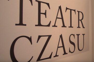 """""""Teatr czasu"""" – wystawa prac Piotra Sawickiego w Muzeum Historii Fotografii"""
