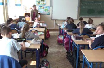 W Krakowie zakaz używania komórek wychodzi uczniom na dobre