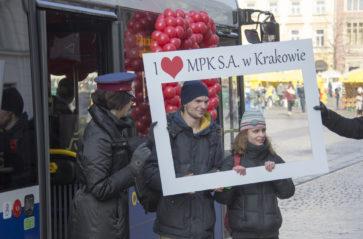 Zakochany autobus MPK stanął na Rynku Głównym