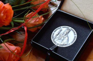 "Srebrny medal ""Cracoviae Merenti"" dla Akademii Sztuk Pięknych"