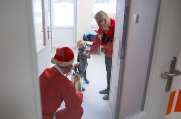 Mikołaj wręczył prezenty w szpitalu im. Żeromskiego