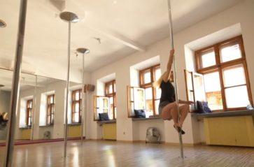 Nudzi cię fitness i siłownia? Spróbuj pole dance!